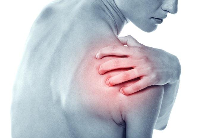Đau xương là dấu hiệu ung thư phổi di căn ở phụ nữ